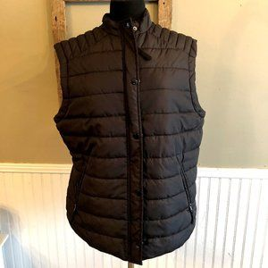 H&M + Plus Black Puffer Vest Size 14